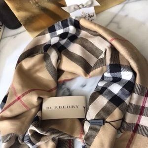 NEW REAL BURBERRY CASHMERE SCARF